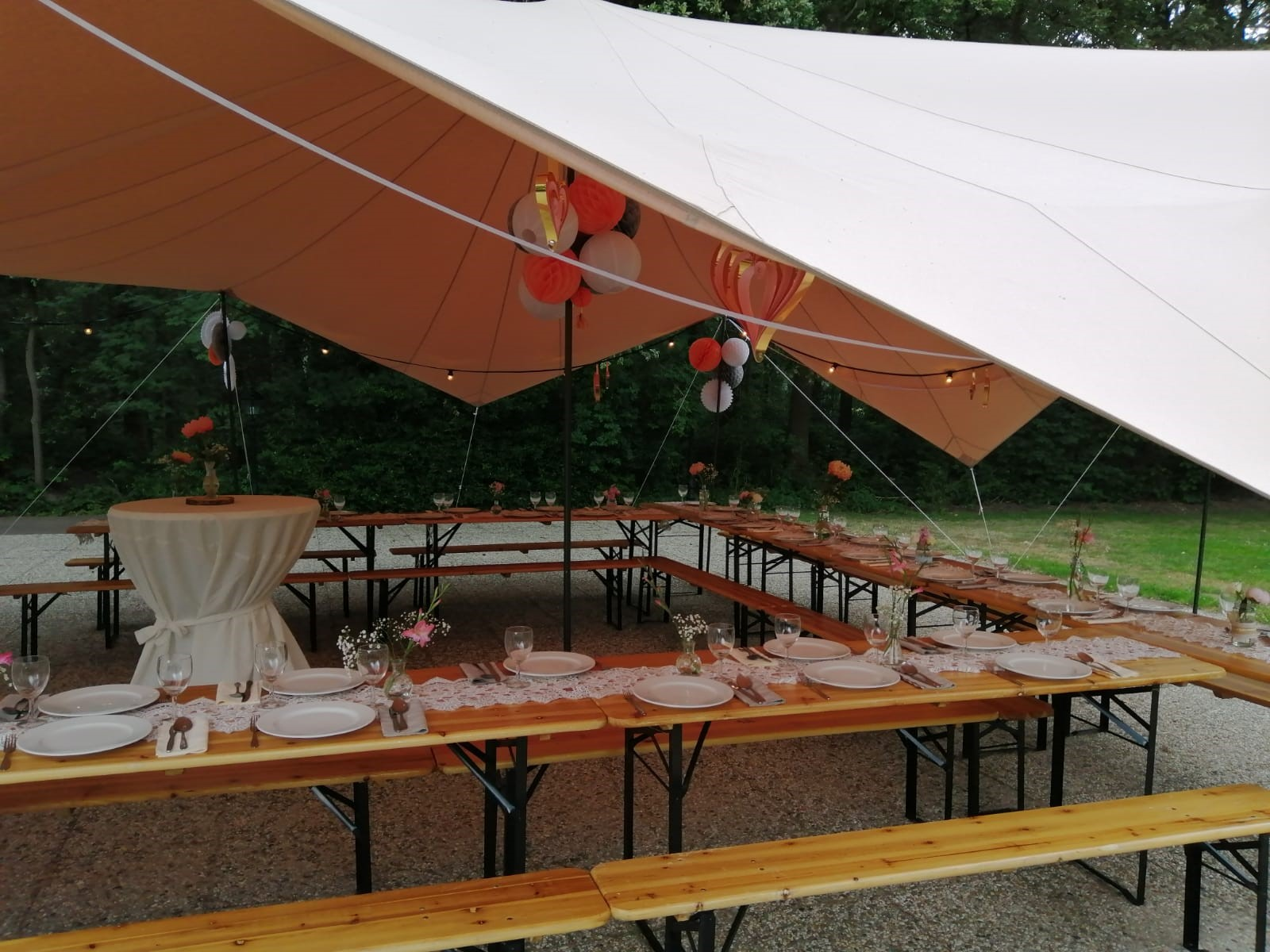 diner-in-tent